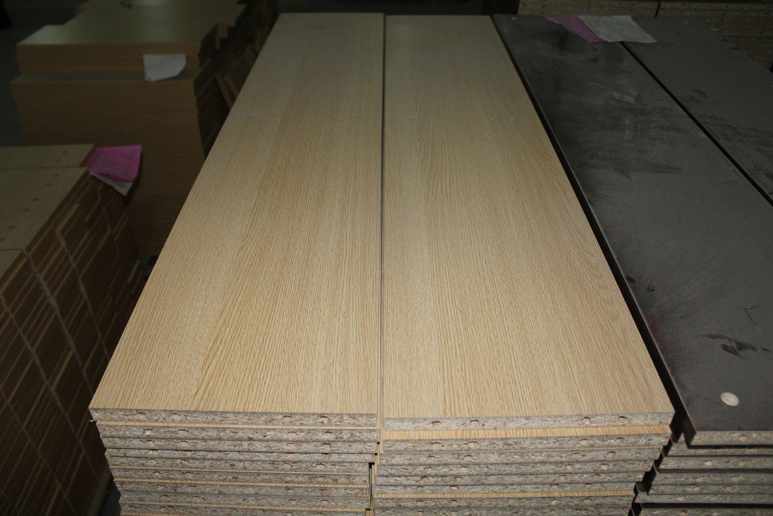 Customized Exterior Laminated Particle Board With Melamine Finish 530--720kg/M3